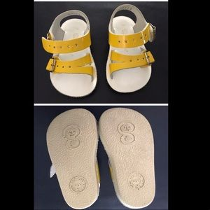 Like New! Sun Sans Sea Wees Yellow Infant Size 2